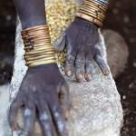 Surma maize grinding - close up 2