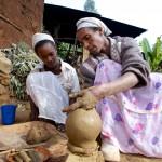 Potter. Kechene Slum, Addis Ababa, Ethiopia